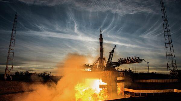 Старт ракеты-носителя Союз-ФГ с пилотируемым кораблем Союз МС-11 с космодрома Байконур