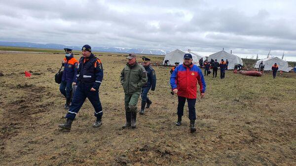 Министр МЧС России Евгений Зиничев в полевом лагере группировки МЧС России под Норильском