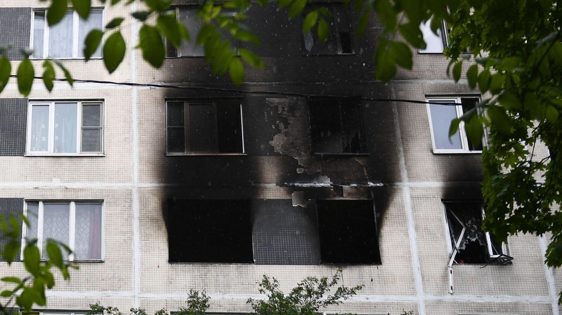 Последствия пожара в квартире на юге Москвы - РИА Новости, 1920, 02.12.2020