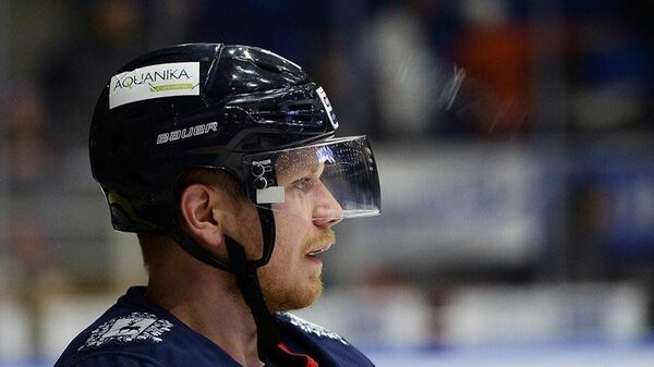 Хоккеист Станислав Бочаров
