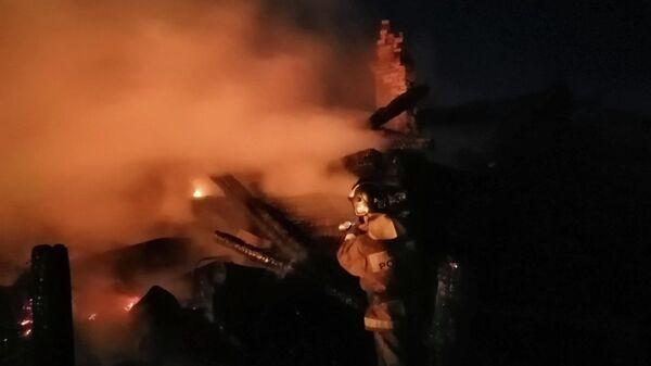 Пожар в частном деревянном доме в селе Баргадай Зиминского района Иркутской области