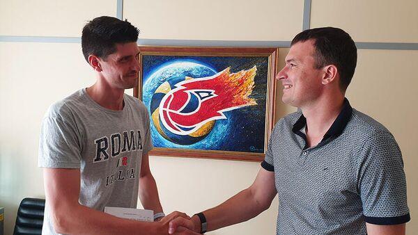 Волейболист Факела Александр Болдырев