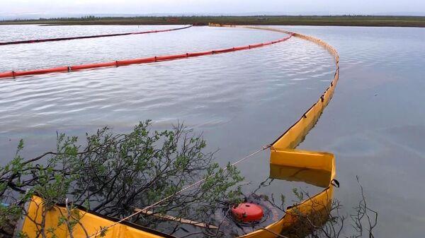 Ликвидация последствий розлива нефтепродуктов из резервуара ТЭЦ-3 под Норильском