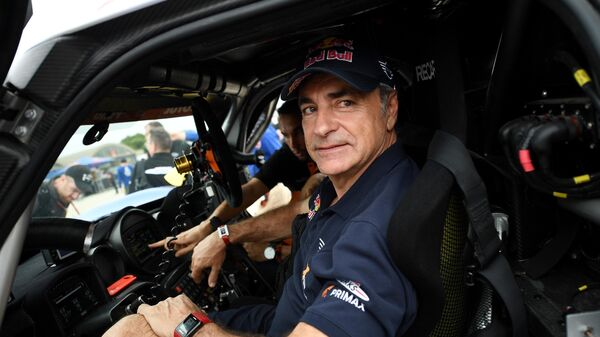 Испанский автогонщик Карлос Сайнс-старший
