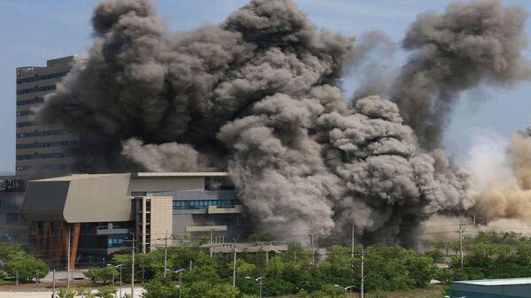 Взрыв межкорейского офиса связи в приграничном городе Кэсон, Северная Корея