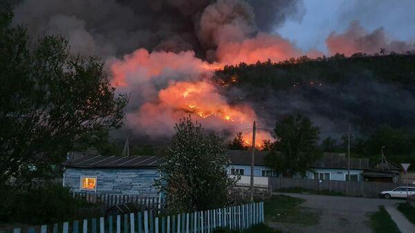 Удаленной деревне в Красноярском крае угрожает природный пожар
