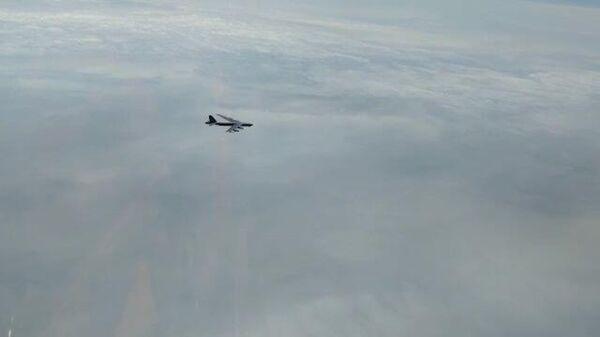 Кадры перехвата американских бомбардировщиков российскими истребителями