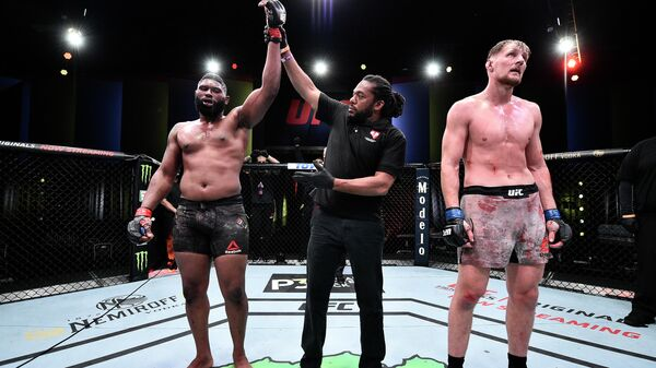 Волков опустился в рейтинге UFC после поражения от Блейдса