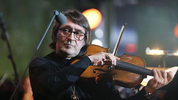 Художественный руководитель, музыкант Юрий Башмет на репетиции концерта на Мамаевом кургане, посвященного 75-летию победы в Великой Отечественной войне.