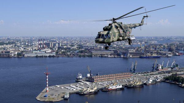 Воздушная часть парада в ознаменование 75-летия Победы в Великой Отечественной войне 1941-1945 годов в Санкт-Петербурге