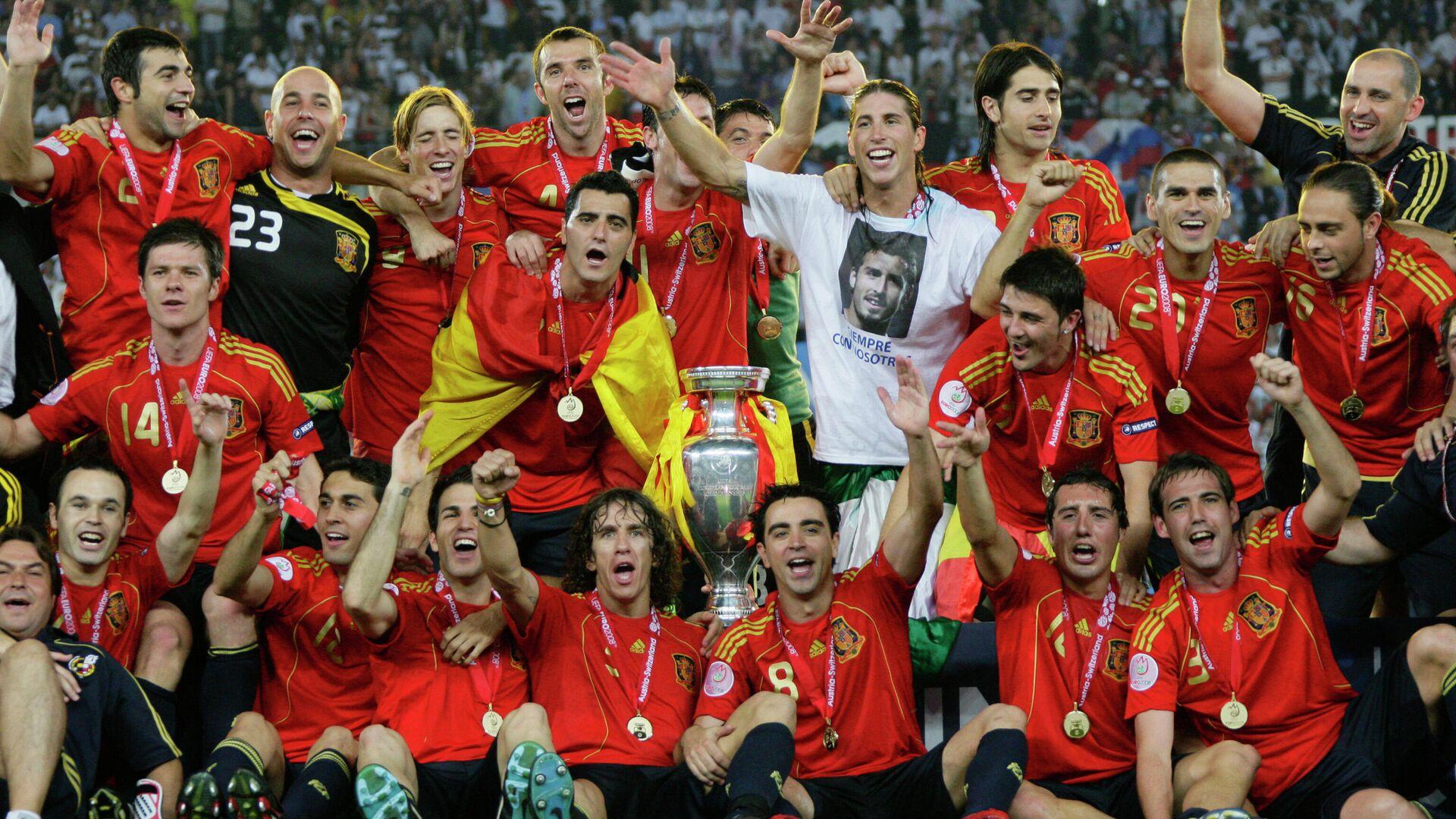 Футболисты сборной Испании после победы в финале ЕВРО-2008 - РИА Новости, 1920, 04.03.2021