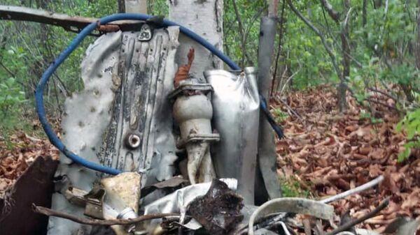 Фрагменты самолета Ил-28Р, найденные активистами поискового объединения Авиапоиск в Ольгинском районе Приморья