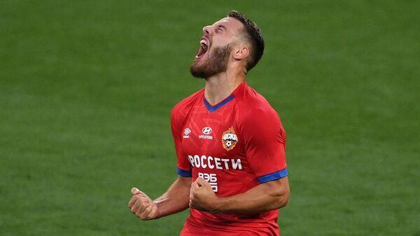 Игрок ЦСКА Никола Влашич радуется забитому голу