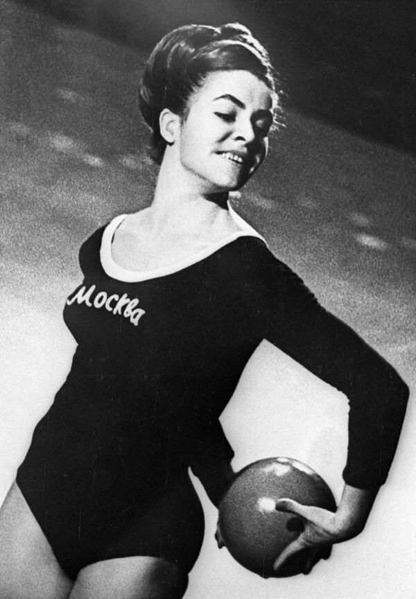 Гимнастка Татьяна Кравченко