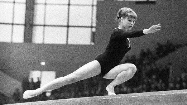 Гимнастка Ольга Карасева