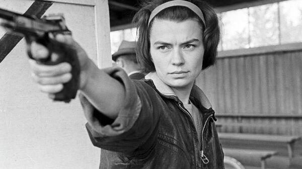 Чемпионка мира по стрельбе из пистолета Нина Рассказова