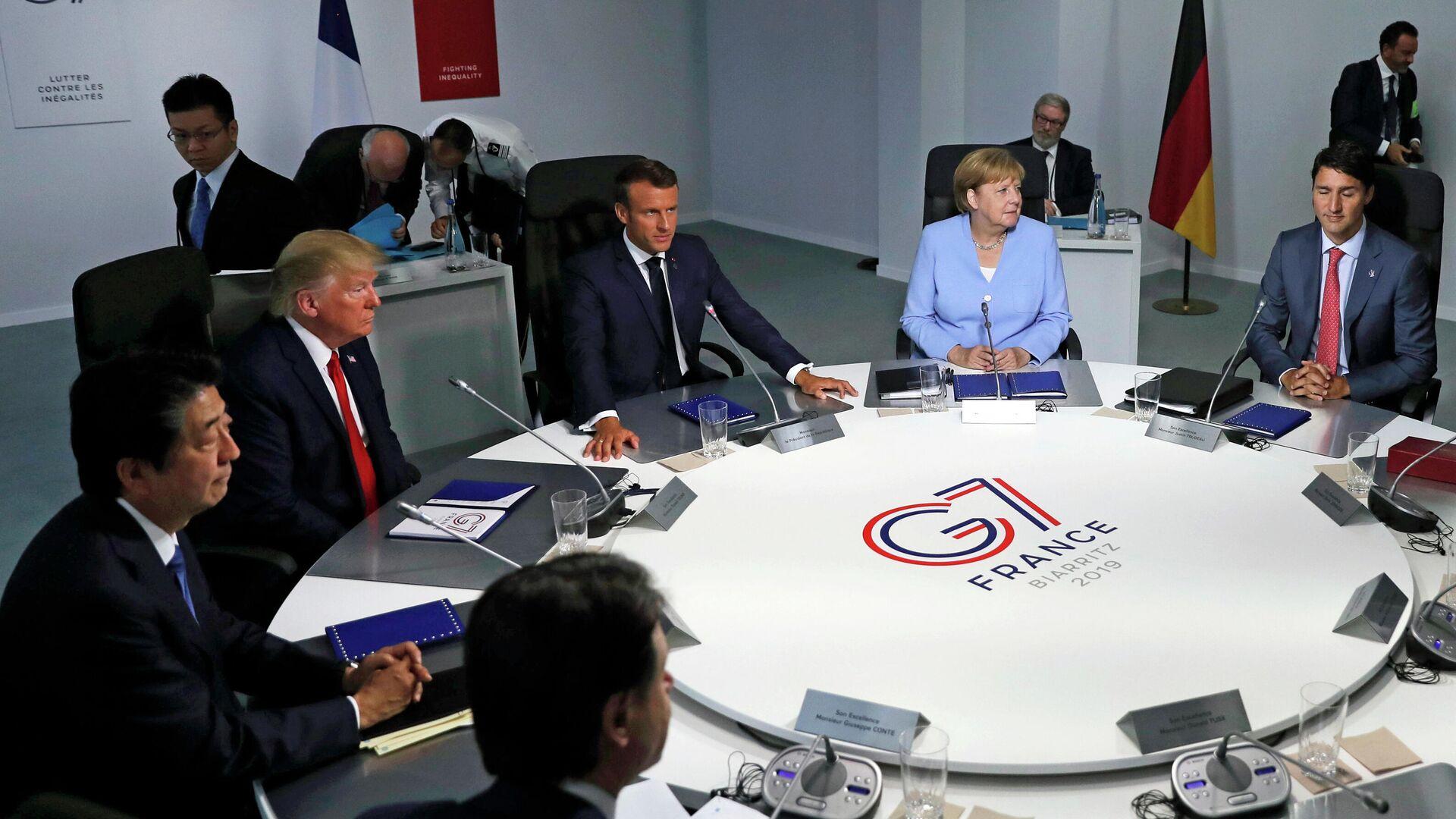 Лидеры стран-участниц G7 во время встречи в рамках ежегодного саммита - РИА Новости, 1920, 05.05.2021