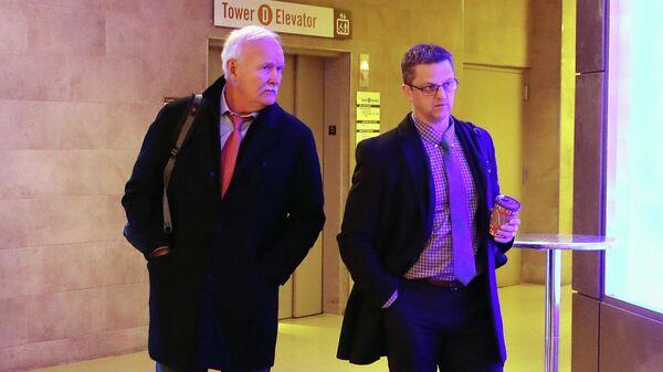 Тренеры клуба НХЛ Нью-Йорк Рейнджерс Линди Рафф и Дэвид Оливер перед игрой против Торонто Мейпл Лифс