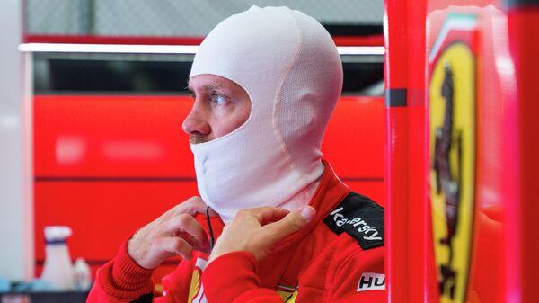 Пилот команды Формулы-1 Феррари Себастьян Феттель перед Гран-при Штирии в Австрии