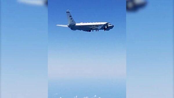 Российские истребители сопроводили самолеты-разведчики США и Норвегии