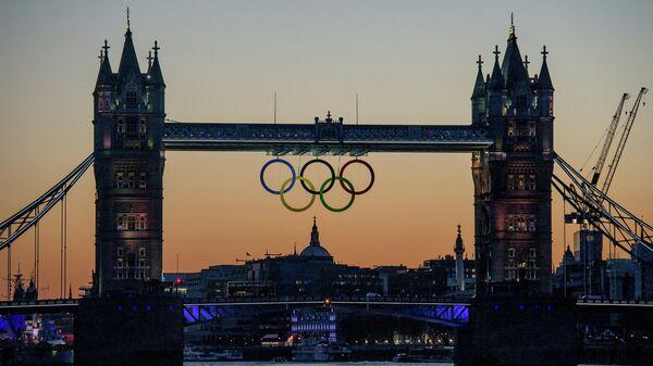 Символ Олимпийских игр-2012 на Тауэрском мосту