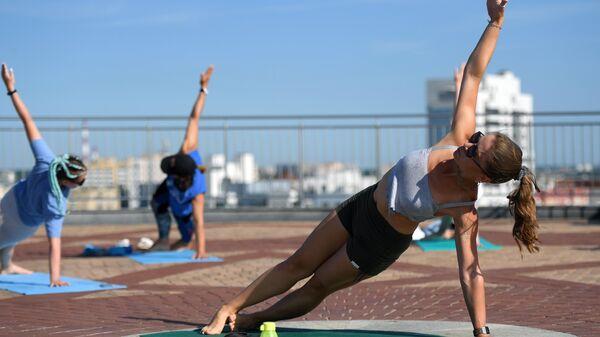 Утренние занятия по йоге и дыхательной гимнастике в Казани