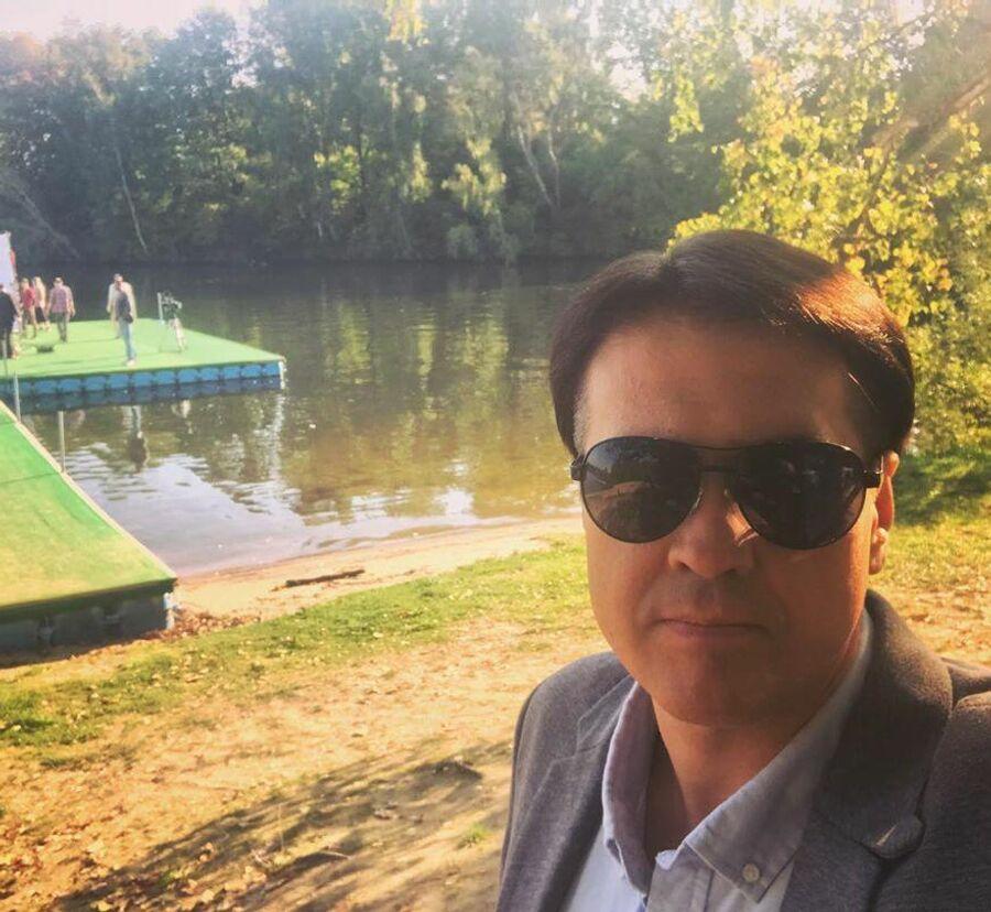 Актер Денис Матросов