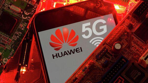 Логотип Huawei и 5G