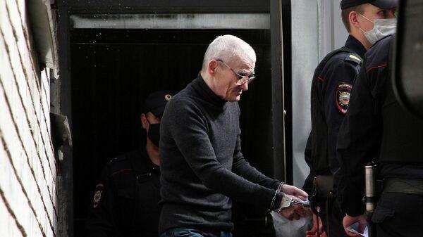 Юрий Дмитриев после заседания суда в Петрозаводске