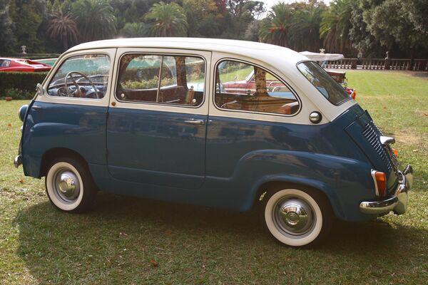 Автомобиль Fiat 600 в Автомобильном музее Турина