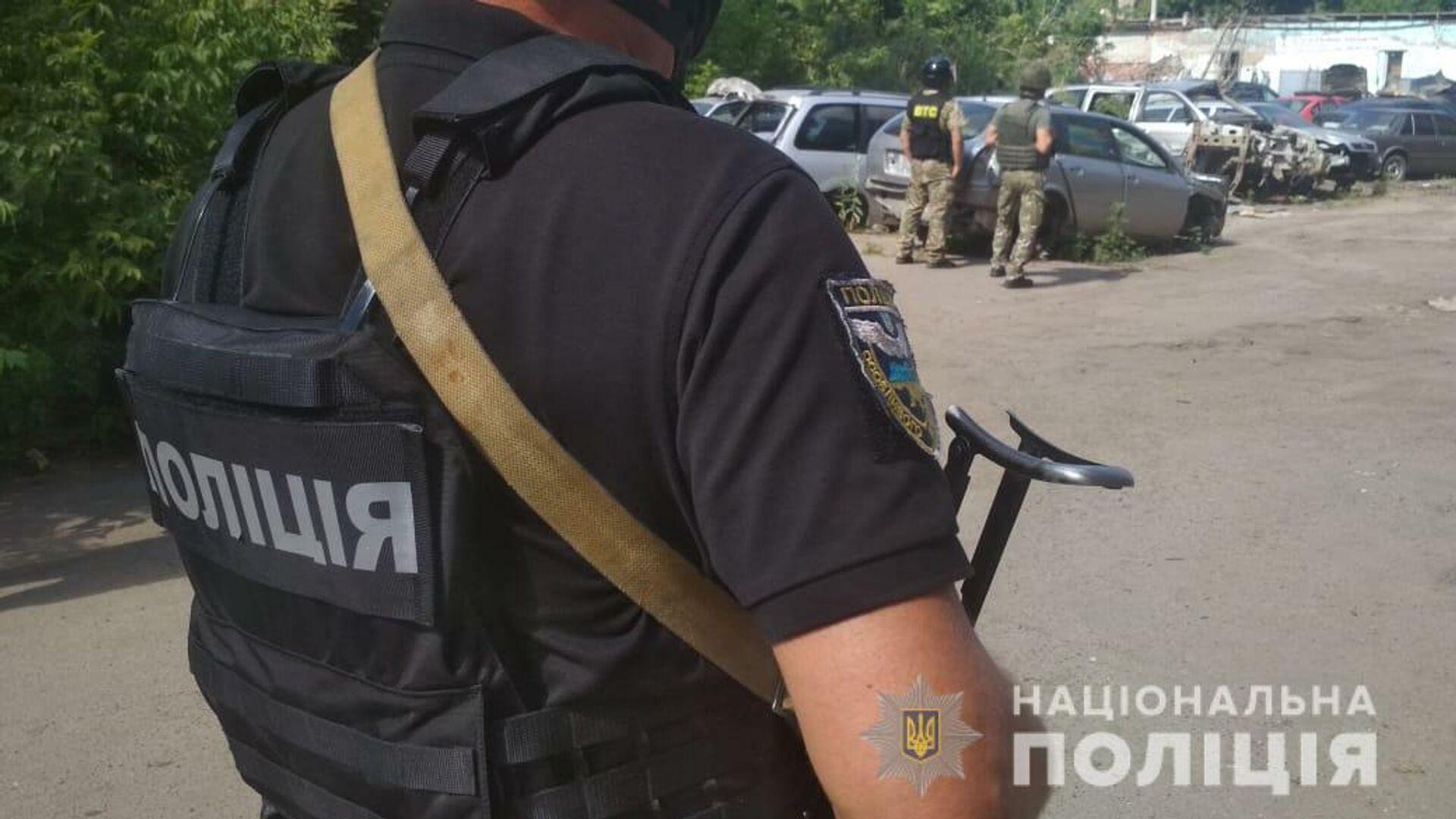 Сотрудники украинской полиции на месте происшествия в Полтаве - РИА Новости, 1920, 06.09.2020