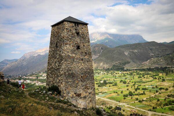 Развалины Аланского поселения 10 века в Черекском ущелье в Кабардино-Балкарии