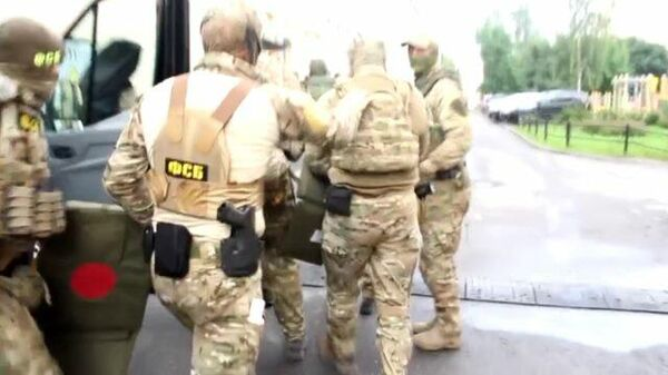 Кадры спецоперации ФСБ против сторонников ИГ в Петербурге