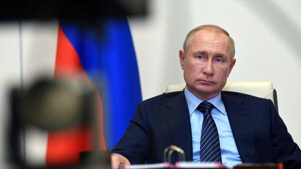 Доход Путина вырос на миллион рублей за год