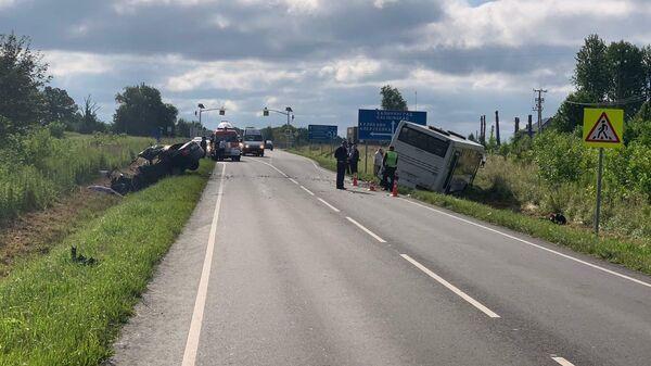 Последствия ДТП на 11 км автодороги Романово-Калининград