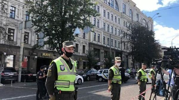 Оцепление на месте захвата банка в Киеве