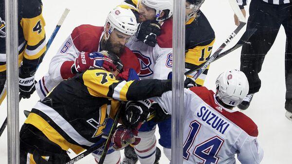 Потасовка в матче Питтсбург Пингвинз - Монреаль Канадиенс.