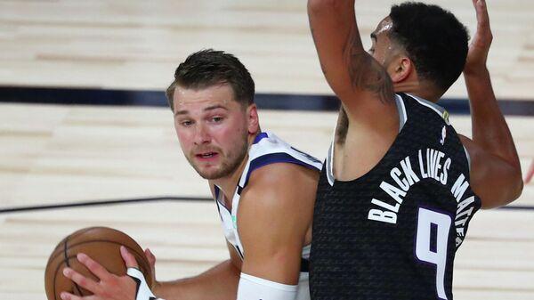 """Трипл-дабл Дончича помог """"Далласу"""" обыграть """"Сакраменто"""" в матче НБА"""