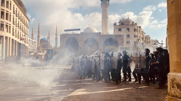LIVE: Протесты в Бейруте переросли в вооруженное столкновение