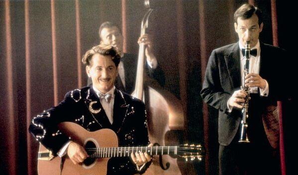 Кадр из фильма Сладкий и гадкий