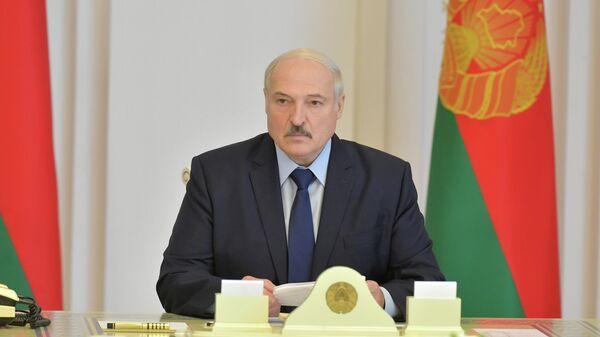 Президент Белоруссии Александр Лукашенко во время совещания в Минске