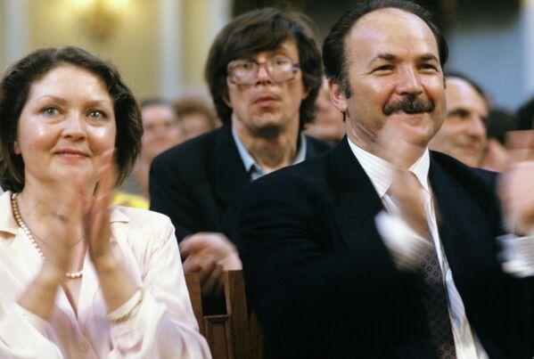 Жанна Андреевна Болотова, актриса театра и кино, с супругом Николаем Николаевичем Губенко, министром культуры СССР