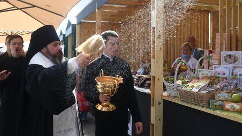 Православная яблочная ярмарка у храма Вооруженных сил РФ