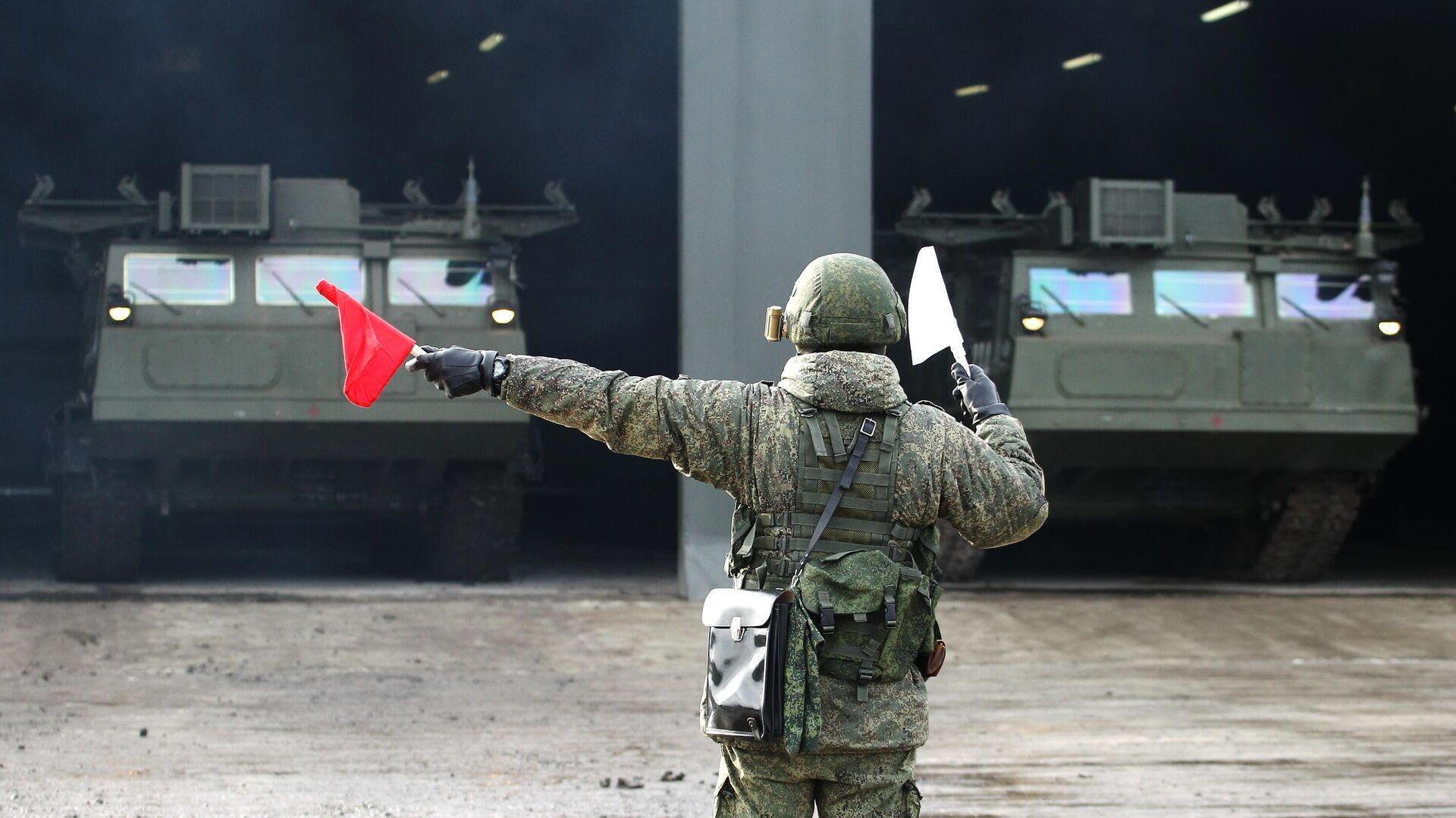 Зенитно-ракетная система (ЗРС) С-300В4 во время тактических учений - РИА Новости, 1920, 01.12.2020