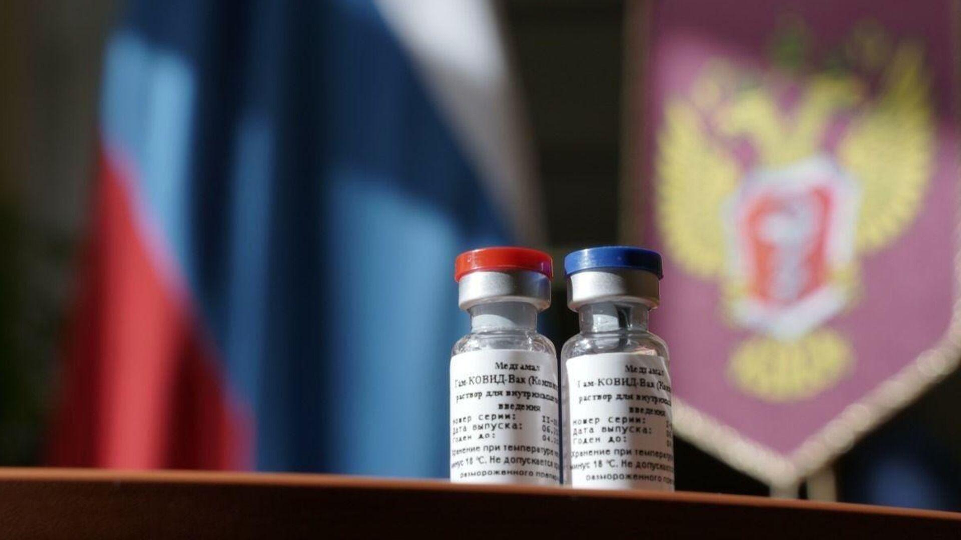 Первая в мире вакцина от коронавируса, зарегистрированная в России - РИА Новости, 1920, 04.09.2020