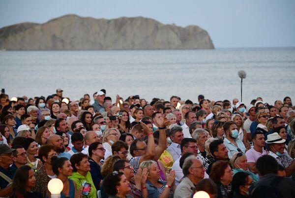 Зрители на открытии Международного джазового фестиваля Koktebel Jazz Party - 2020 в Крыму