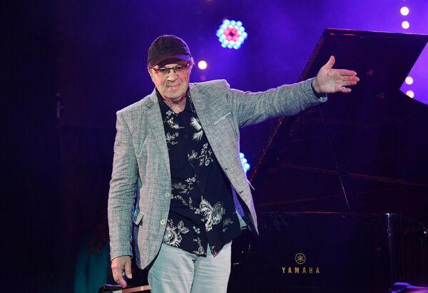 Участник музыкального коллектива Bril Brothers Игорь Бриль выступает на Международном джазовом фестивале Koktebel Jazz Party - 2020 в Крыму.
