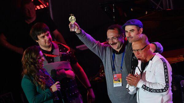 Джазовый пианист Даниил Крамер (в центре) на Международном джазовом фестивале Koktebel Jazz Party - 2020 в Крыму