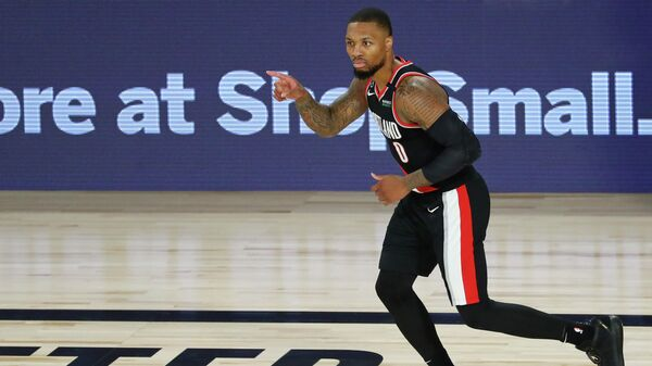 Баскетболист Дэмиан Лиллард в матче НБА