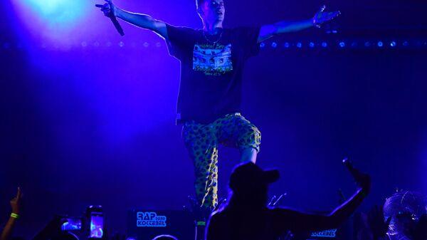Рэпер Павел Кравцов (Кравц) выступает на фестивале Rap Koktebel в Крыму